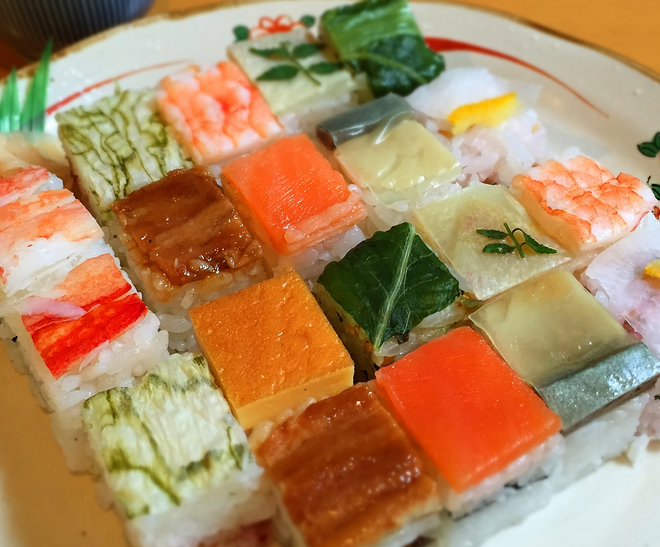 6 Types of Sushi Pressed sushi (oshi zushi)
