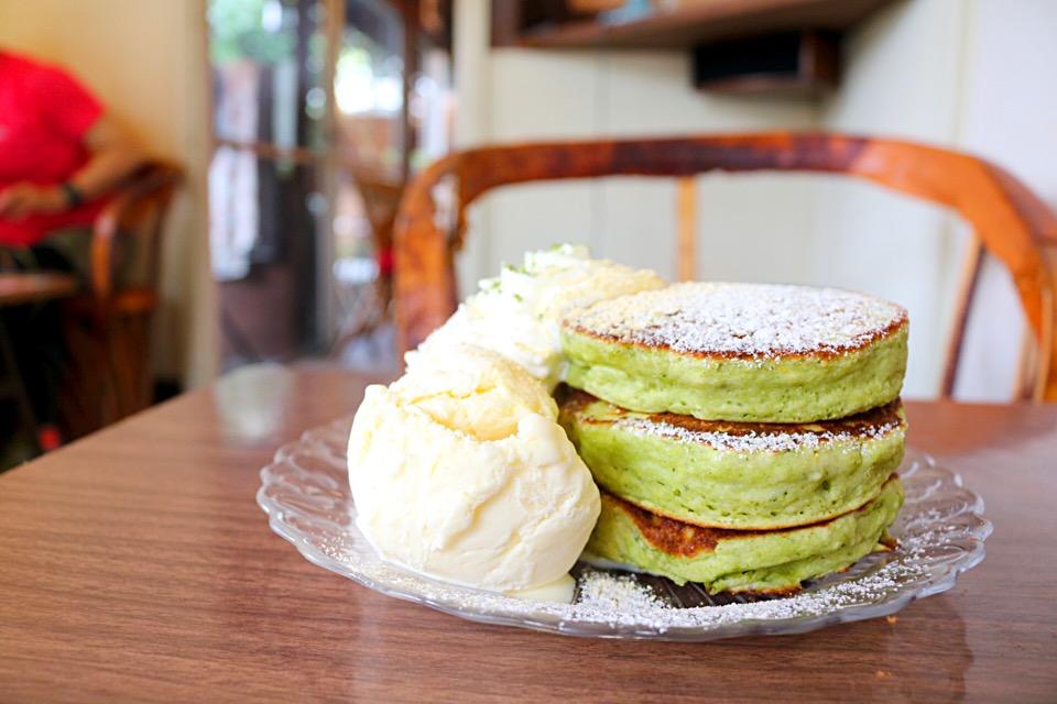"Matcha pancake with vanilla ice cream from ""Cafe Sakanoshita"""